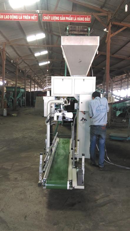 Lắp đặt máy cân đóng bao phân bón hữu cơ vi sinh PM12 tại nhà máy sản xuất phân bón Hồng Lam Đak Lak